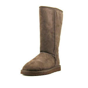 NEW UGG Australia Women Classic Round Toe Suede Boot- Size 7