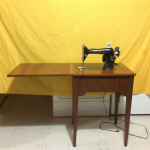 ANTIQUE ELECTRIC SINGER SEWING MACHINE  FOR SALE