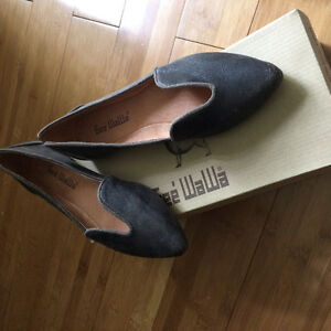Anthropologie Geé WaWa Lydia cut out loafers