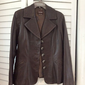 Danier fitted leather jacket Cambridge Kitchener Area image 2