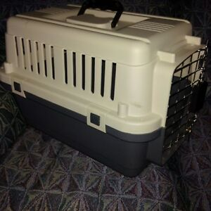 Plastic Carrier Crate