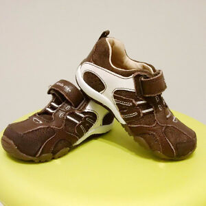 Stride Rite Suede Shoes Baby Toddler Excellent Condition