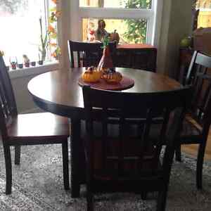 Dining table with 4 chairs , solid wood