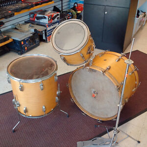 Vintage Ludwig drum kit REDUCED TO SELL