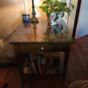 Bed side table/ multi use. Size is: 24x24x24 Kingston Kingston Area image 2