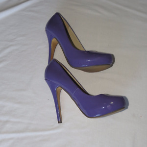 Patent purple, size 5 high heel shoes