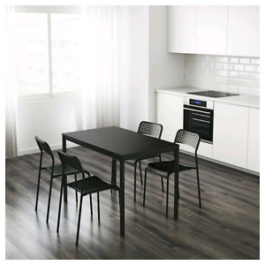 Tarendo table with 4 adde chairs IKEA