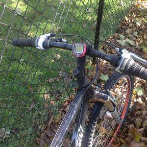 Diamond back outlook bike , needs tlc only 30 dollars Kitchener / Waterloo Kitchener Area image 4