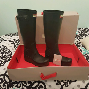 Tall Hunter boots size 8