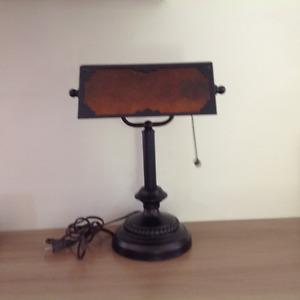 Lampe métallique de bureau