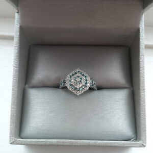 14k White Gold Blue Stone Diamond Ring