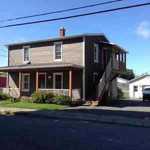 Maison rénové avec 1 loyer ( duplex)