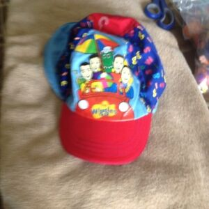 WIGGLES KID'S HAT WITH NECK PROTECTER