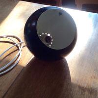 suspension vintage sphère noire de métal mid century