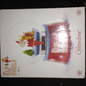 ELF ON SHELF SNOW GLOBES BRAN NEW IN BOX
