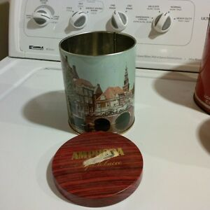 Amphora pipetobacco tin Holland