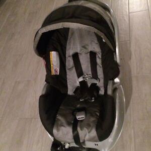 Siège auto bébé SnugRide Graco - $65