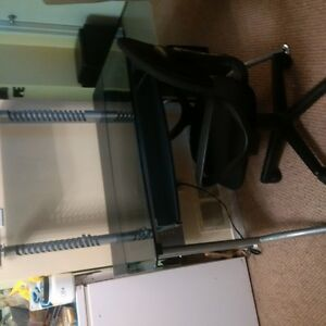 computer desk  with chair Kitchener / Waterloo Kitchener Area image 1