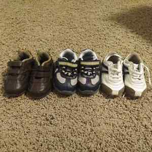 Toddler Boy's Shoes - size 4