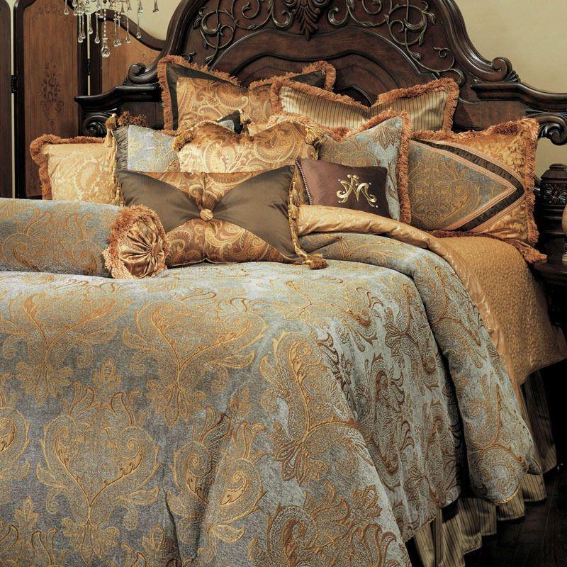 Michael Amini -AICO 13-pc Elizabeth king Damask Bedding Set