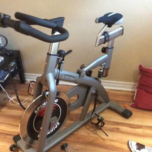 Excercise spinner bike
