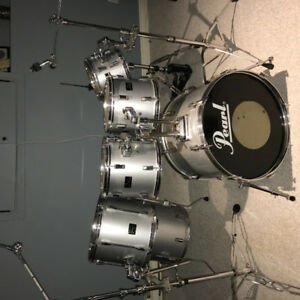PEARL 7 PIECE DRUM KIT