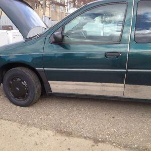 1995 Ford Windstar Minivan, Van
