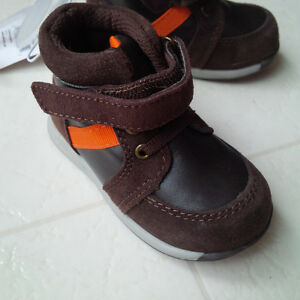 Brand New Joe Fresh Infant High Top Shoes (size 5) London Ontario image 4