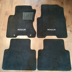 NISSAN ROGUE FLOOR MATS - SET OF 4 - LIKE NEW CONDITION Kitchener / Waterloo Kitchener Area image 1