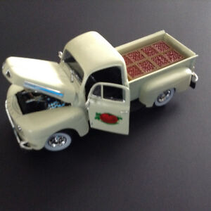 FOR SALE:  1949 FORD  F-1  PICKUP - 1:32 scale DIECAST