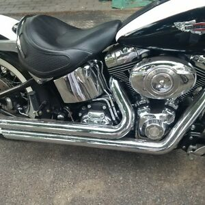2007 Softail Deluxe Classic black and White