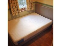 A Small Double Room in Wimbledon