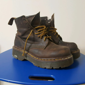 Dr Martens 1460 ( Thick Sole ) 8 Eye Leather Boots