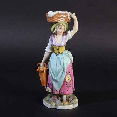Porzellan Thüringen Figur Frau Apfelkörbe handbemalt porcelain figurine woman