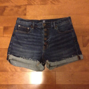 NEUF, short jeans Gap Washwell, taille haute, braguette-boutons