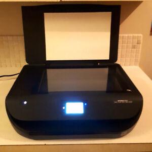 HP ENVY 4516. Print/Scan/Copy/Web/Photo