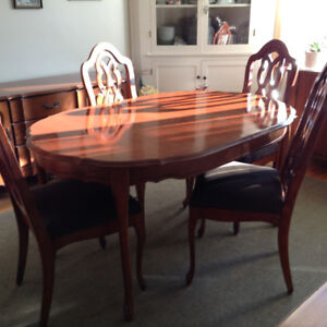 Dining table, chairs and buffet