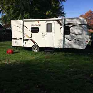 ESPREE ESCAPE 20ft KZ Travel Trailer includes Hitch and Swaybars
