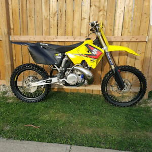 LOOKING FOR A BIKE!!!!