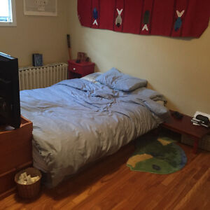 Single room for Sublet in 2bdrm On South Park