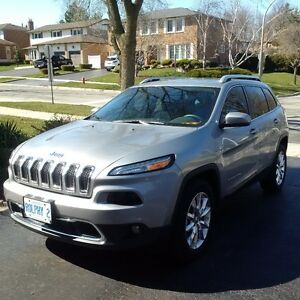 2016 Jeep Cherokee Limited SUV - LOADED!!!  Only 13000k