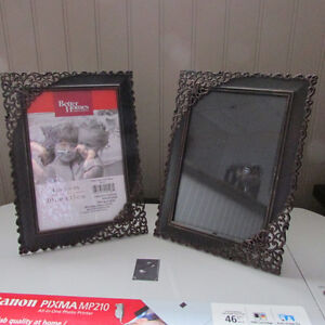 2 4x6 PICTURE FRAMES