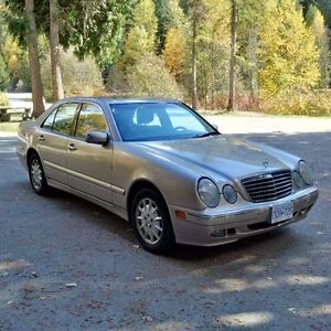 2001 Mercedes-Benz 320 E 4-matic (AWD) in excellent condition