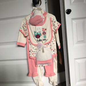 Brand new. Baby girl size 6-9M