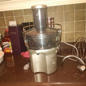 Brevile Juice Fountain; Almost New