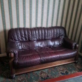 *REDUCED* Vintage Leather Three peice suite.