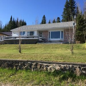 Gorgeous House with Stunning Views in Nipigon