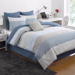 New, IZOD Chambray Stripe Comforter Set - Queen *PickupOnly