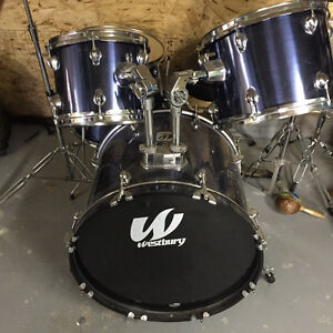 Drums Westbury compleat set.