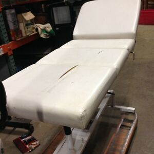 Table Hydolique de Massage Esthetique Tattoo Great deal!